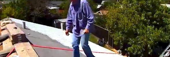 strangers-fix-roof