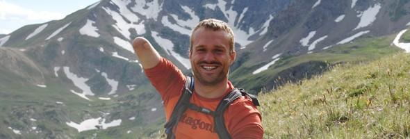Kyle_Maynard_on_Mountain